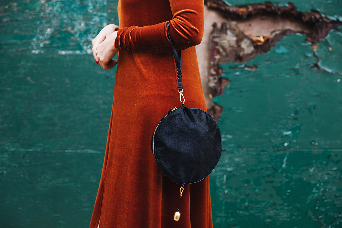 how to wear orange velvet