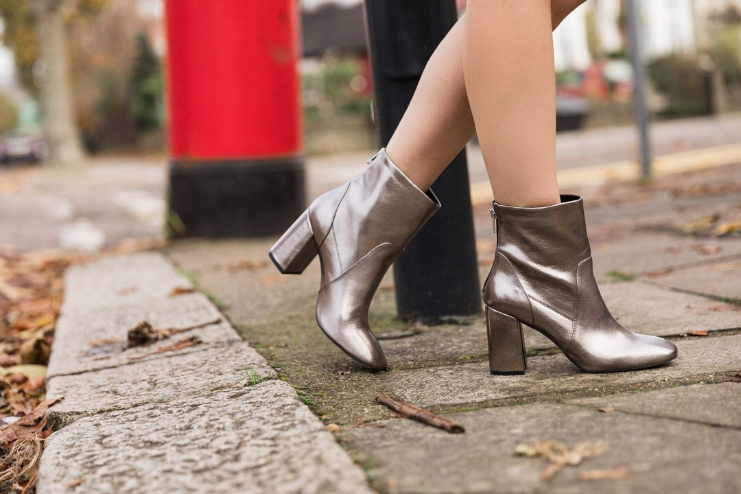 Ashley James how to wear faux fur pewter boots