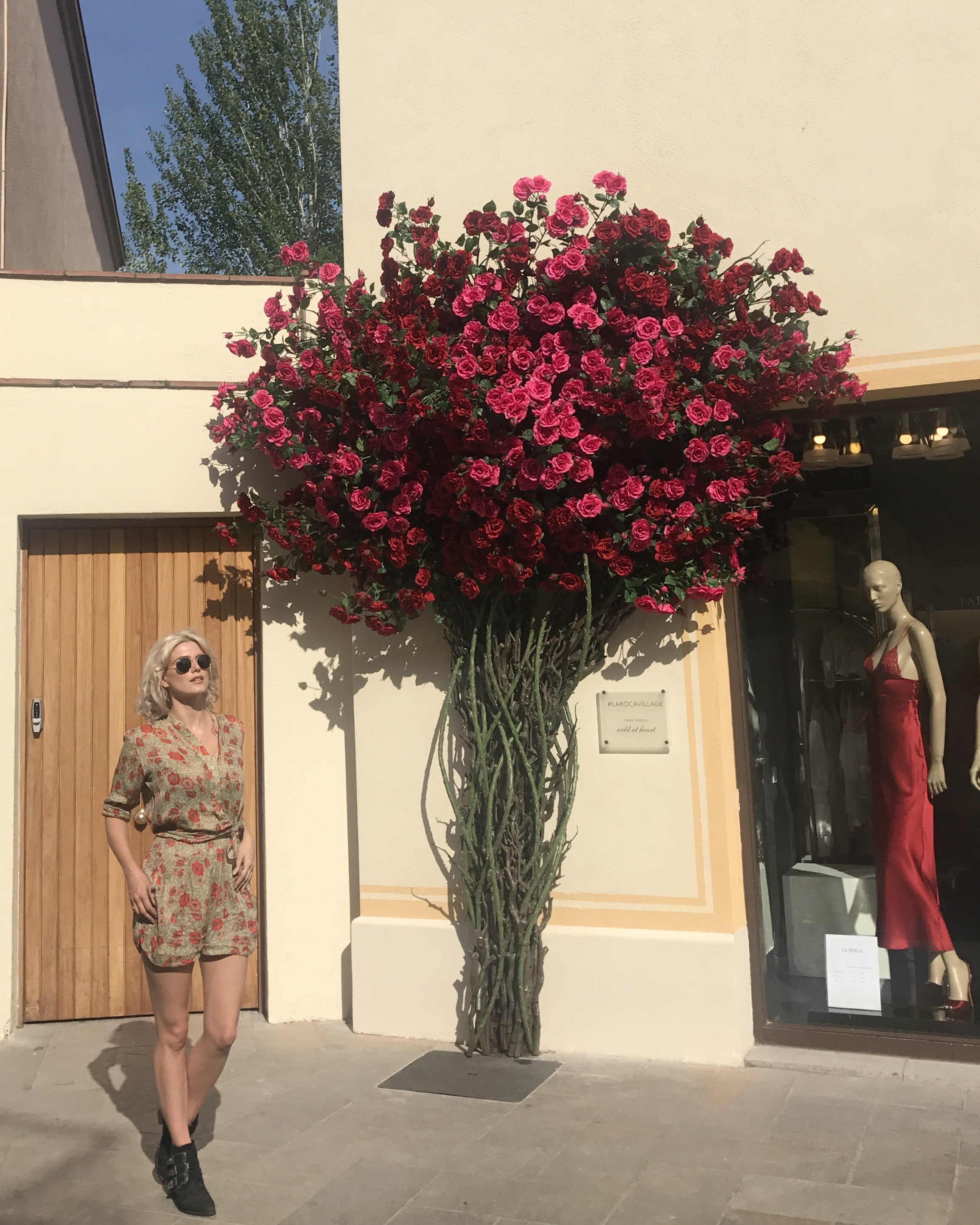51c7d9e27 ... boutiques to shop in – I spent hours going through Burberry, Gucci,  Vivienne Westwood, La Perla and so many more, I think there's over 130  boutiques.